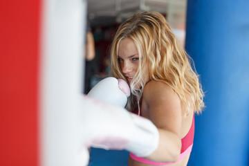 FREEROUNDでは只今ボクシングトレーナーを募集しております